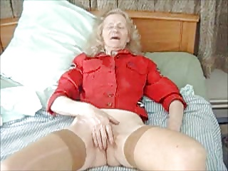 MASTURBATION    old HOUSEWIFE  JOSEE   real bitch